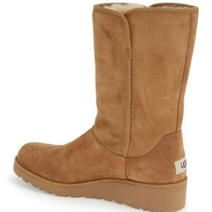 NWT Ugg Amie Boot - Chestnut